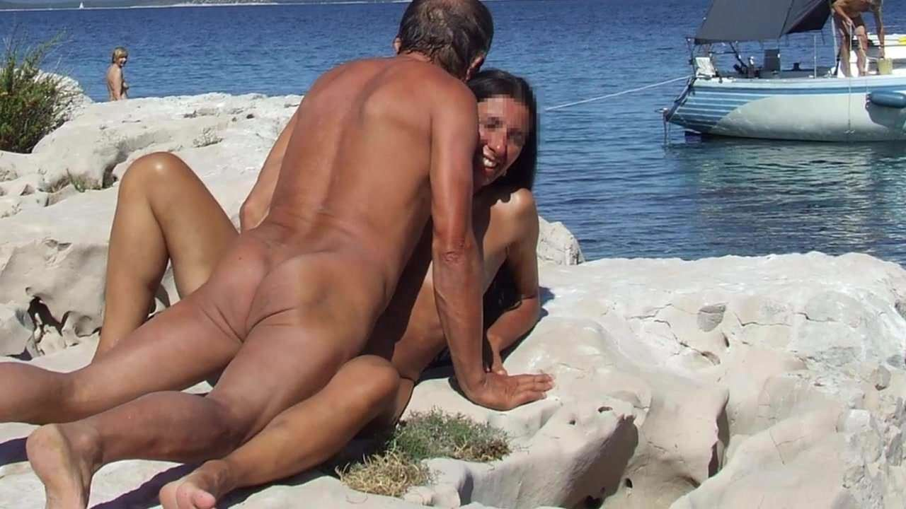 wife-sex-at-nude-beach-xxgifs-nude-women-with-shaved-pussy