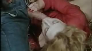 Moana Pozzi with horse in Fantastica Moana (1987)