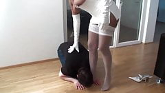 Femdom Girls crush slave hands's Thumb