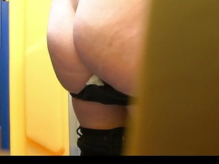 Estrangeiro - Hidden Cam HD piss in toilet part23