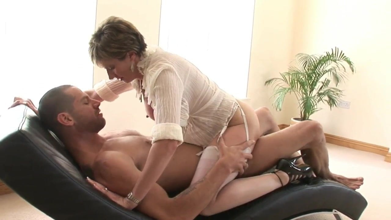 Mature Goddess Gets Awesome Cumshot