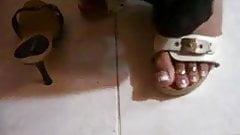 sandals clogs.