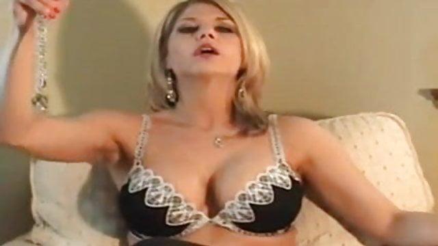 Pretty girl pussy hot
