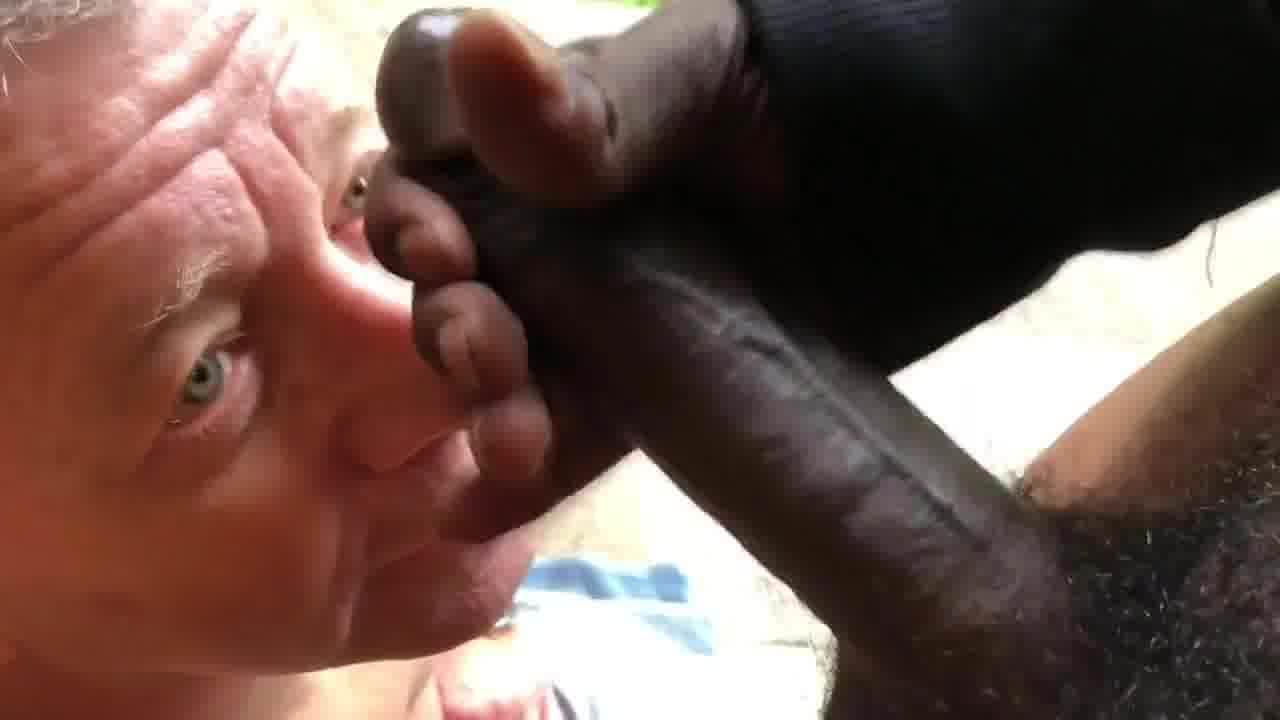 Leaked FULL video of black shedoll deepthroating white cock