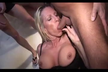 Sexy milf sucks young boys cock