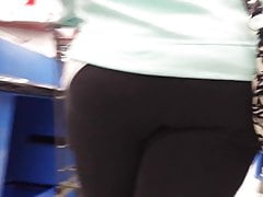 CANDID FAT ASS PAWG BBW TIGHT YOGA PANTS PT3