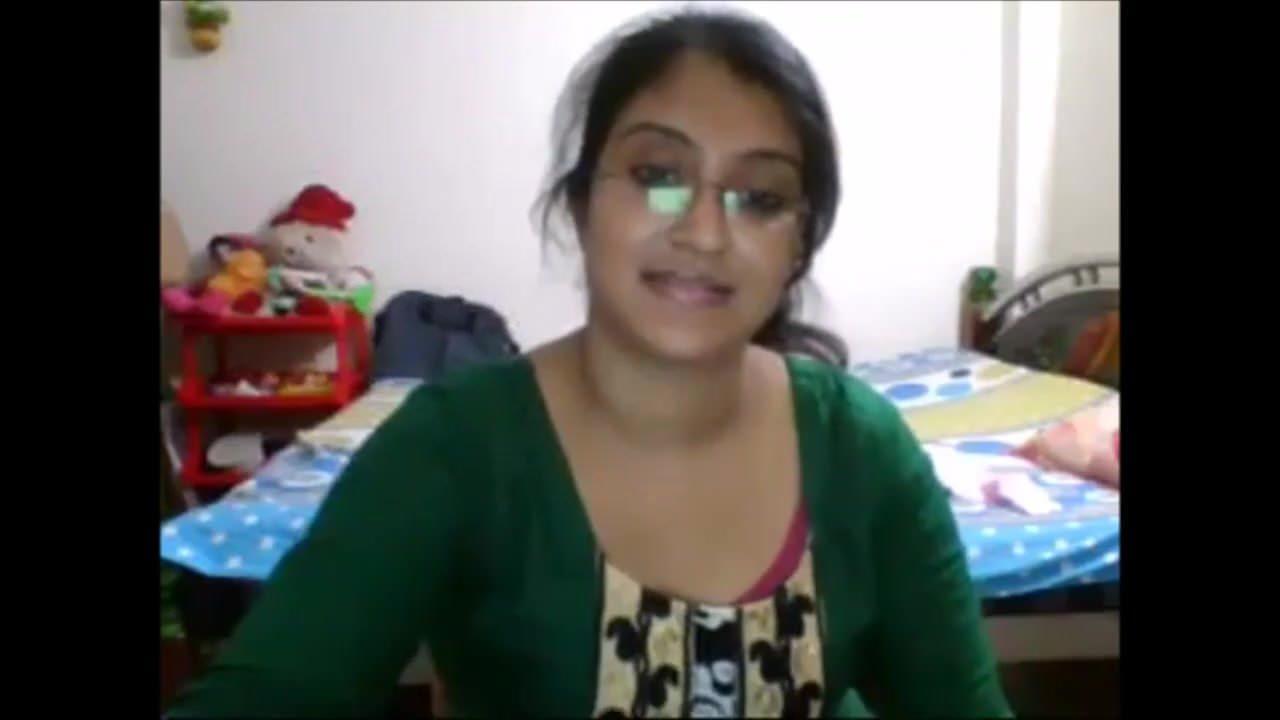 LIDIA: Bangladeshi Sensation Julia On Cam Nude