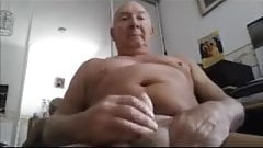 beautiful daddy play and cum