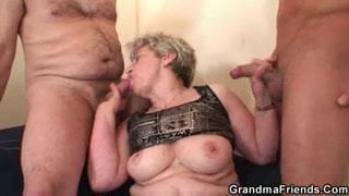 Mature fucked by her lover and hubby at once