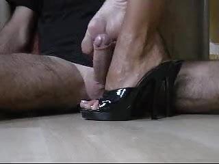 german milf macht den perfekten Shoejob footjob