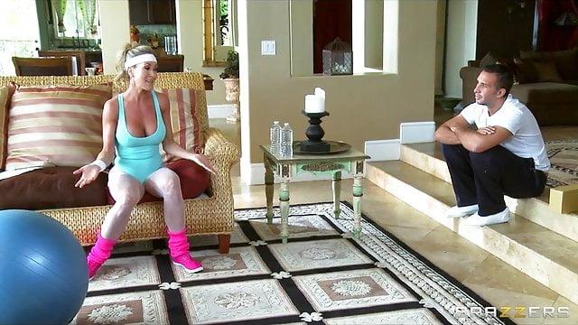 Preview 1 of Brazzers -Horny big-tit yoga MILF Brandi Love takes big-dick
