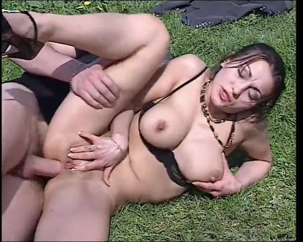 Milf with natural tits fuck hard in field