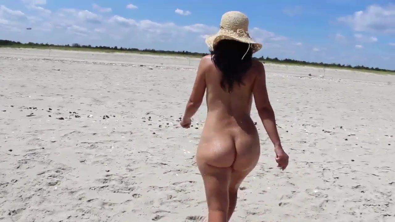 Nude women lick girls