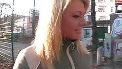 Streetcasting in Deutschland! Blond ist Geil!