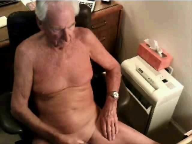 Старики мастурбируют видео сандра