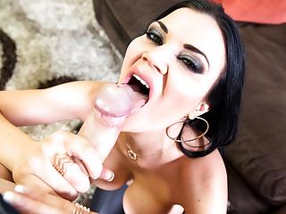 Bubble butt Jasmine Jae sucking a monster cock, huge tits
