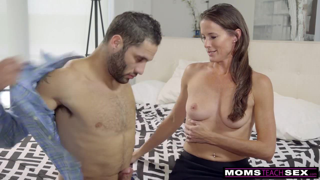 Momsteachsex - I Fuck My Friends Mom for Practice S7 E6