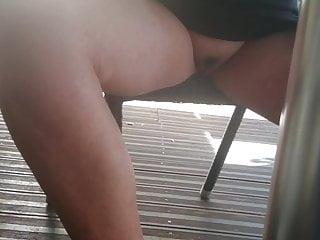 en terrasse sans culotte.