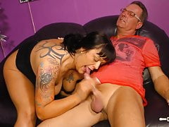 HausFrauFicken - Mature German in hardcore fuck and facial