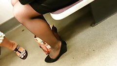 candid pantyhose sexy legs  281-1