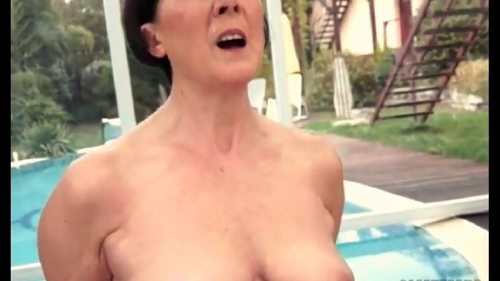 Freaks Of Nature 195 Chubby Grandma Rides Sybian Porn C5-1308