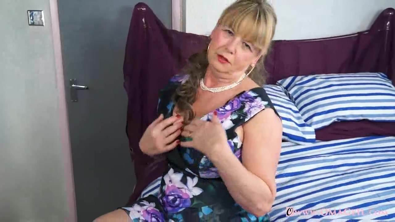 Free download & watch omageil hot busty mature lady solo striptease         porn movies