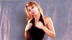 Chloe Striptease trailer