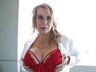 Australian Blonde Milf Sammi Rox Toying Her Pussy