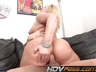 Big Butt Flower Tucci Getting Raw Anal