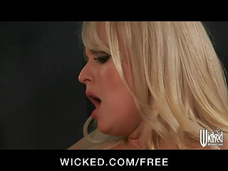 Wicked Big Tit Blonde Milf Stormy Daniels Fucks On Her Car
