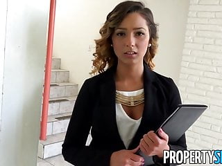Propertysex Beautiful Agent Fucks Home Owner For Signature
