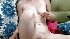 MILF vith a dildo