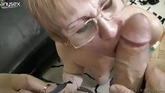 Slutty granny Zora White sucks dick together with her girlf