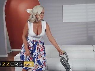 Mommy Got Boobs - Alena Croft Ricky Johnson - Mommys Busy