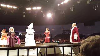 Niurka Ensenando Tetas En Obra De Teatro La Semesienta