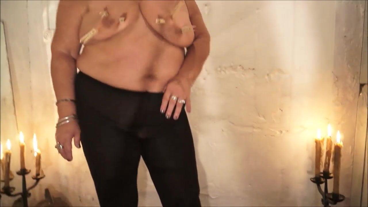 Asian lady waxing and massaging make dick cum 99%