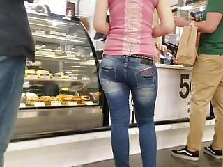 Nice big ass in the coffee shop