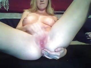 Kendra Sunderland masturbating