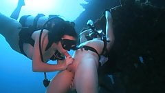 Scuba Blowjob on the Wreck's Thumb