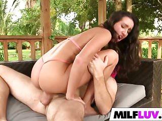 Outdoor banging sexy MILF Stephanie Moretti
