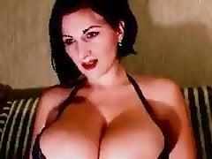 Wobbely huge tits in bra nt