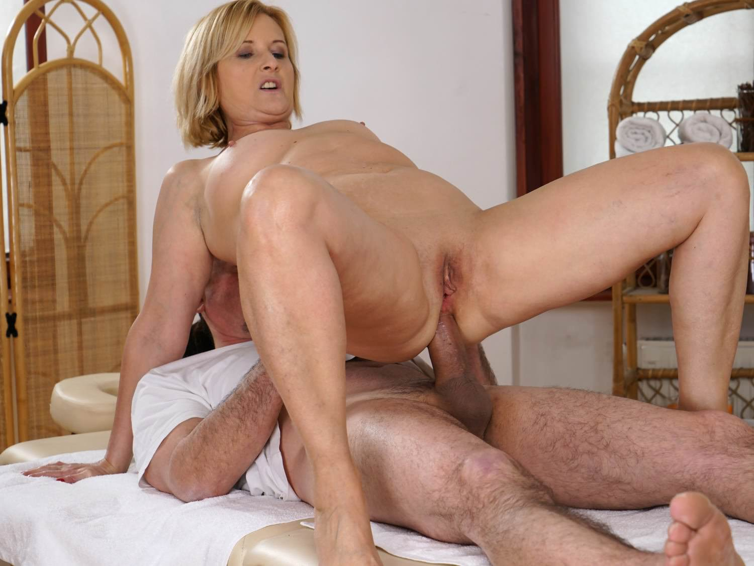Older Woman Enjoys Massage And Anal Sex, Porn 0D Xhamster-1014