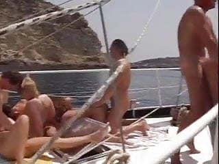 Magma swingt auf dem Sexschiff Aphrodite.avi.mp4 openload.mp