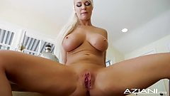 BLONDE BABE LONDON RIVER DILDOS HER SHAVED PUSSY