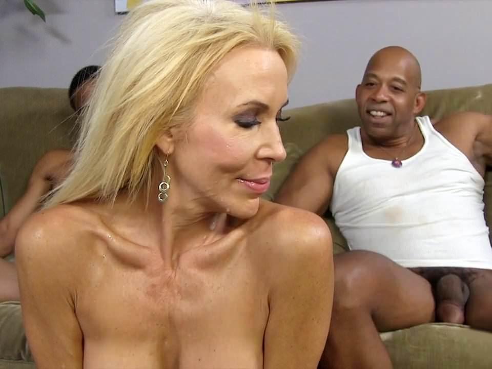 sexiest tiffani thiessen fake butt nude pics