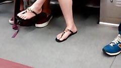 Sexy Korean legs....