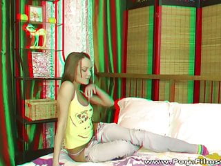 Porn Film 3D - Spreading in bed like a gymnast