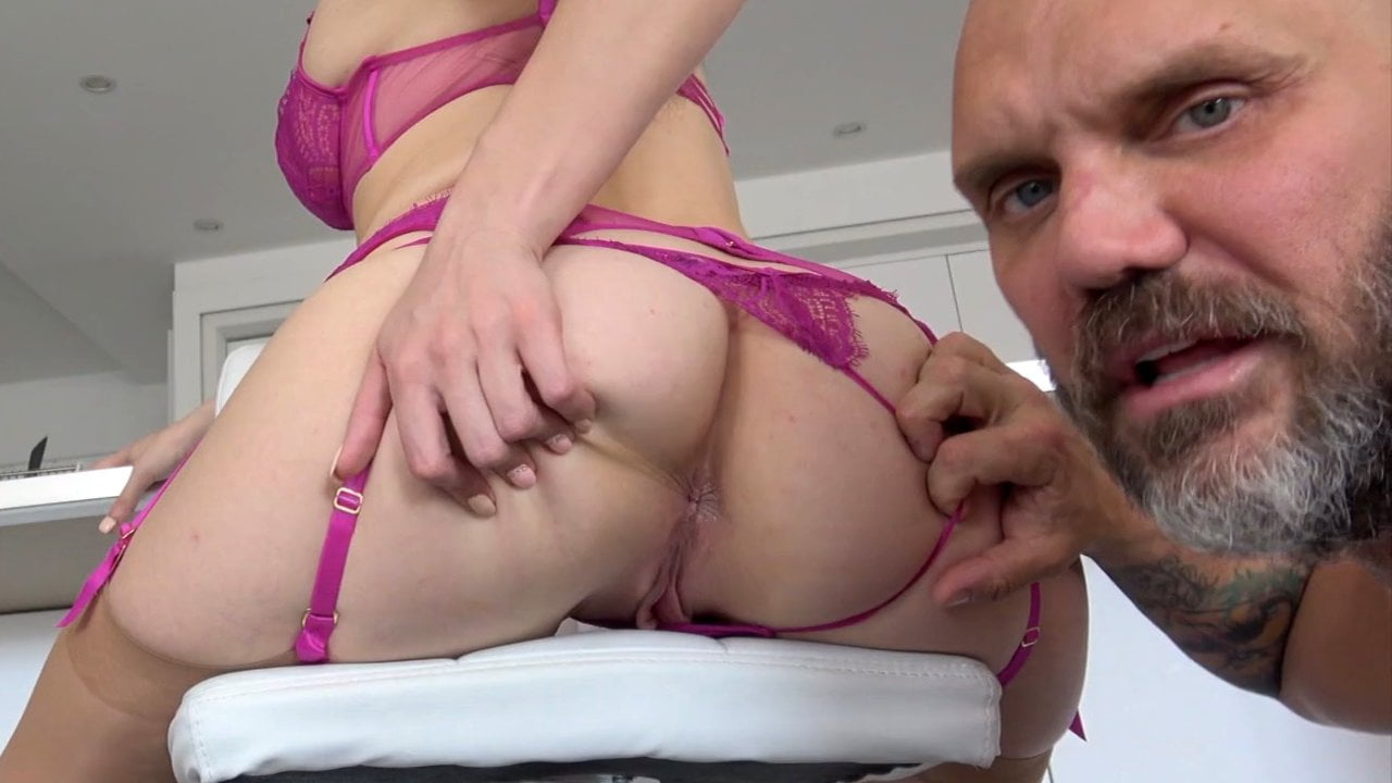 Sofia Curly got fucked by Nacho Vidal