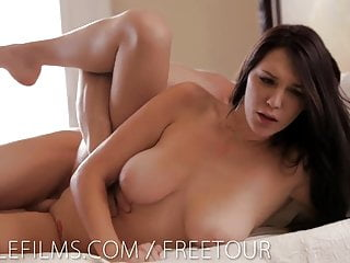 Slide your cock between Holly Michaels big tits
