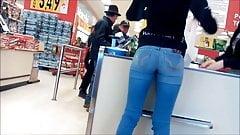 Tight Teen ass at grocery store Hidden cam
